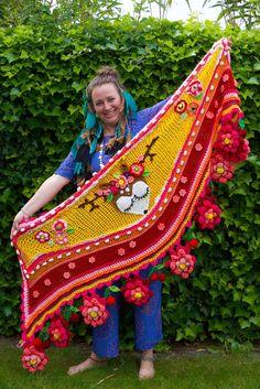 USA/UK design add-on Deer wrap edition 2018 polleviewrap Crochet Hook Sizes, Crochet Hooks, Knit Crochet, Freida Kahlo, Hippie Crochet, Crochet Triangle, Crochet Shawls And Wraps, Summer Knitting, Knitting Supplies