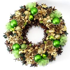 Your place to buy and sell all things handmade Christmas Is Coming, Christmas Holidays, Christmas Gifts, Christmas Decorations, Christmas Ornaments, Holiday Decor, Christmas Wreaths For Front Door, Holiday Wreaths, Natural Christmas