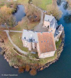Kasteel Waardenburg / Weerdenburg te Waardenburg / Gelderland Nederland