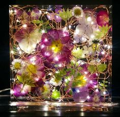 Flower Structure, Diy Resin Crafts, Nightlights, Resin Flowers, Clear Resin, Unique Lighting, White Lead, Acrylic Art, Creative Crafts
