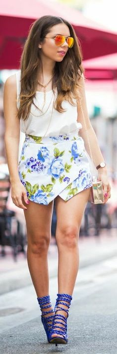 Iconica White Floral Pointed Hem High Rise Skort by Nany's Klozet