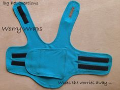 A Worry Wrap (a comfortably tight jacket) for Treating Separation Anxiety and Stress for Dogs - thundershirt diy Dog Separation Anxiety, Dog Anxiety, Springer Spaniel, Memes Humor, Thunder Shirt For Dogs, Dog Clothes Patterns, Sewing Patterns, Funny Dachshund, Dachshund Quotes
