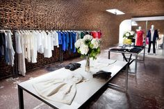 paper bags used to redesign OWEN store interior Shop Interior Design, Retail Design, Store Design, Design Furniture, Cool Furniture, Furniture Stores, Furniture Removal, Furniture Online, Furniture Ideas