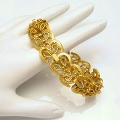 CROWN TRIFARI Ornate Hearts Sweetheart Wide Vintage Bracelet Scroll Links