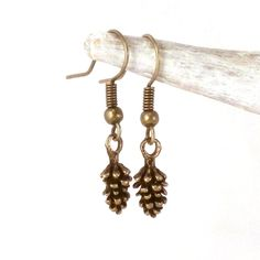 Woodland pinecone drop earrings - pine cone earrings - antique bronze pinecone earrings - forest inspired jewelry - woodland jewelry by JolieGlace on Etsy