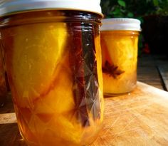 Honey-Spiced Peaches (or nectarines) Jam Recipes, Canning Recipes, Great Recipes, Healthy Recipes, Canning Jars, Plums And Peaches, Spiced Peaches, Lorraine Recipes, Canned Food Storage