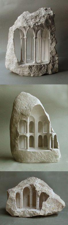석재 조각 기둥