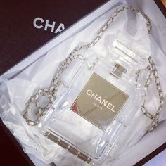 #Chanel No 5 in bag form!