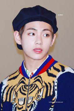 Ahh taehyung France devrait venir mère patrie de Gucci             _Mrs. Butterfly