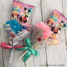 お菓子がメイン持ち手がストローのキャンディブーケの作り方 | あれやこれや Hand Bouquet, Balloon Bouquet, Paper Gifts, Diy Gifts, Valentines Day, Balloons, Basket, Gift Wrapping, Candy