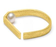 Ring Matt Gold - White pearl - by Louise Kragh