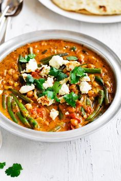 """Feta Chickpea Cury - Curry-Rezepte - """"In a hurry?"""" – Then cook this curry! Play in the spirit of vegetarianism - Easy Dinner Recipes, Appetizer Recipes, Breakfast Recipes, Easy Recipes, Cheap Meals, Easy Meals, Curry Recipes, Healthy Recipes, Chickpea Curry"""