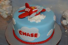 Cake at an Airplane Party #airplaneparty #cake