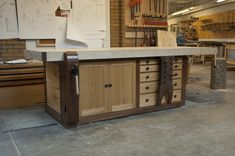 Établi de 10 pieds de long, style Shaker, deux essences de bois pour un contraste des couleurs