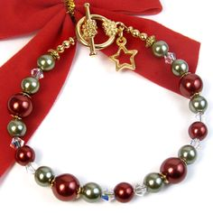 Red and Green Christmas Bracelet, Glass Pearls, Star Charm, Crystals | PrettyGonzo - Jewelry on ArtFire