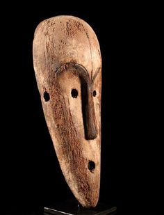 Country of origin  Gabon Gabon ● tribe Fang Fang family ● Size about 40.0 cm height