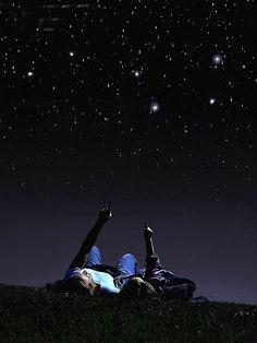Meu pai me falava sobre Deus apontando para as estrelas....saudades!