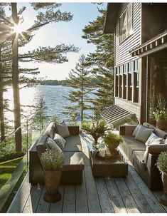 Elevated High Above the Water, This Lake Cottage Feels Like a Giant Treehouse - Lake House - Architecture Ontario Cottages, Design Exterior, Lake Cottage, Lakeside Cottage, Romantic Cottage, Cottage House, Cottage Patio, Mountain Cottage, House Goals