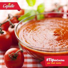 #TipdeCocina con sólo una pizca tu salsa será perfecta: cuando preparas salsa de tomate para una pasta, puedes agregar una pizca de azúcar o miel y así ocultar un poco el ácido natural de los tomates.
