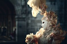 """dragonagestuff: """" surrealsadi: """" elosilla: """" Carnival of Venice. """" Now THIS is how Orlais should have looked… """" Oh god. I will never see Carnival of Venice Like before, now. """""""