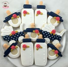 BABY SHOWER~Baby bottle cookies, blue coral and white colors, pokadot pram cookies, pokadot stroller cookies, pacificer cookies Cookies Cupcake, Fancy Cookies, Iced Cookies, Cute Cookies, Royal Icing Cookies, Cookies Et Biscuits, Sugar Cookies, Birthday Cookies, Cookie Favors