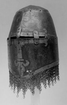 M14thC Painted Great Helm (Kornberg Helm) with Aventail, front left three quarter, Germanisches Museum, Nuremberg, Germany.