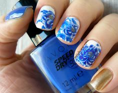 http://polish-my-nail.blogspot.pt/2014/03/porcelanowe-kwiaty-na-paznokciach.html