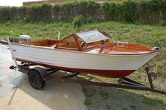 1960 Cruisers Inc Outboard - Lowell Boats Wooden Boat Building, Boat Building Plans, Wood Boats For Sale, Small Power Boats, Small Boats, Wooden Speed Boats, Boat Restoration, Runabout Boat, Model Boat Plans