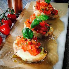 Härlig italiensk bruschetta på mitt vis!