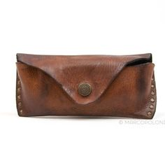 GINO - Soft Distressed Leather Glasses Case by Campomaggi Leather Glasses Case, Leather Case, Soft Leather, Candice Cooper, Haute Marne, Distressed Leather, Eyeglasses, Sunglasses Case, Leather Pencil Case