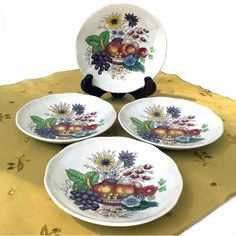 Set of Four Saucers Reynolds by Spode Vintage Copeland Fruit and... (115 ILS) ❤ liked on Polyvore featuring home, kitchen & dining, drinkware, vintage kitchen, spode and fruit cups