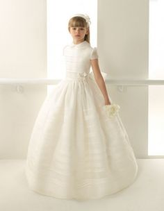Rosa Clará First vestido de comunión con cuello bebé