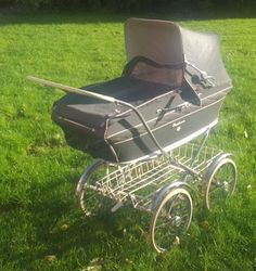 Vintage or Similar to Silver Cross Vintage Pram, Retro Vintage, Pram Stroller, Baby Strollers, Prams And Pushchairs, Baby Buggy, Baby Carriage, Kids And Parenting, 1960s
