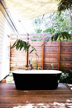 All-Weather - Outdoor Bathtubs We Wouldn't Be Able To Get Out Of - Photos