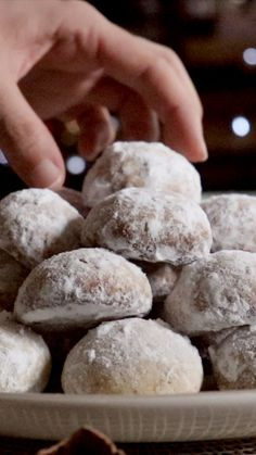 Mexican Cookies, Mexican Wedding Cookies, Wedding Cake Cookies, Cupcake Cookies, Baking Recipes, Cookie Recipes, Dessert Recipes, Mexican Food Recipes, Sweet Recipes