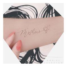 Tatuagem Joia Sons Name Tattoos, Baby Name Tattoos, Mommy Tattoos, Mother Tattoos, Love Tattoos, Girl Tattoos, Small Tattoos, Tattoos For Women, Tatoos