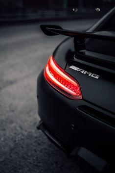 The Best Car News - Coches - - picture for you Mercedes Benz Amg, Mercedes Auto, Mercedes Benz Wallpaper, Bmw Wallpapers, Top Luxury Cars, Best Classic Cars, Bmw Cars, Sport Cars, Motor Car