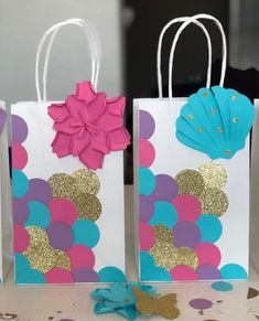 Items similar to Bags (Set of Favor Mermaid Birthday Party / Surprises / Goody Loot / Candy / Treat Bags / Bag / Supplies / Decoration on Etsy Party Favor Bags, Birthday Party Favors, Diy Birthday, Birthday Party Decorations, Birthday Candy, Favor Boxes, Creative Gift Wrapping, Creative Gifts, Decorated Gift Bags