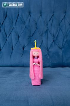 He encontrado este interesante anuncio de Etsy en https://www.etsy.com/es/listing/240045124/crochet-patrones-de-princesa-chicle-de