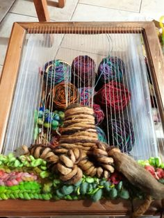 How to make Tree of Life step by step. decorativos ideas paso a paso How To Make Trees, Ideas Paso A Paso, Woven Wall Hanging, Loom Weaving, Tree Of Life, Textiles, Handmade, Crafts, Inspiration