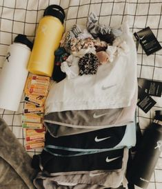 VSCO - summer essentials: nike running shorts, hydroflask water bottles, burt's bees lip balm, & scrunchies Athletic Outfits, Sport Outfits, Summer Outfits, Nike Outfits, Dance Outfits, Summer Dresses, Look Fashion, Teen Fashion, Fashion Outfits