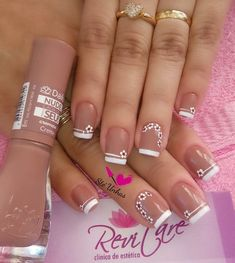 Uñas nude y frances blanco unhas desenhadas, unhas decoradas curtas, unhas lindas decoradas, Cute Nail Art Designs, Christmas Nail Art Designs, Christmas Nails, French Tip Nails, Elegant Nails, Flower Nails, Creative Nails, Nude Nails, Manicure And Pedicure