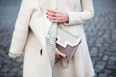 Coat, Dress, Overkneeboots and Hat: M Missoni | Bag: Zara | Scarf: Lala Berlin.
