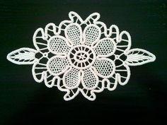 Crocheted Doily Romanian Point Lace Style Ivory par ValeriasShop