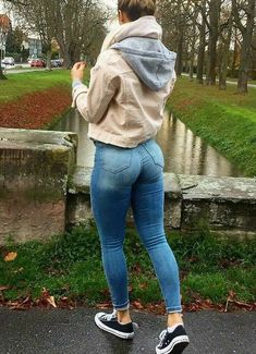 Superenge Jeans, Sexy Jeans, Cowgirl Jeans, Jeans Outfit Summer, Good Looking Women, Plus Size Jeans, Girls Jeans, Sexy Women, Nice