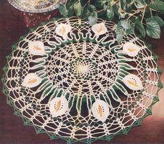 Lirio de 1953 con volantes Collage Vintage Crochet por annalaia, $3.75