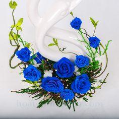 Đôi thiên nga trang trí hoa hồng xanh