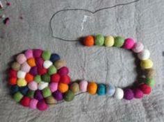 How to make a felt ball rug 8 Pom Pom Crafts, Yarn Crafts, Felt Crafts, Fabric Crafts, Diy Crafts For Kids, Arts And Crafts, Kids Diy, Felt Ball Rug, Pom Pom Rug