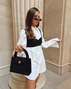 The street style shows us what trends for spring-summer 2020 triumph in the street Winter Fashion Outfits, Look Fashion, Fall Outfits, Autumn Fashion, Summer Outfits, Prada Outfits, Fashion Edgy, Fashion 2018, Fashion Spring