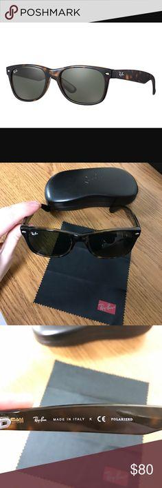 Leopard Ray-Ban wayfarer! •LIKE NEW• Leopard Ray-Ban wayfarer! •LIKE NEW, NO SCRATCHES• comes with case & cleaning case! EYE/ BRIDGE/TEMPLE 52/18/145 Ray-Ban Accessories Sunglasses